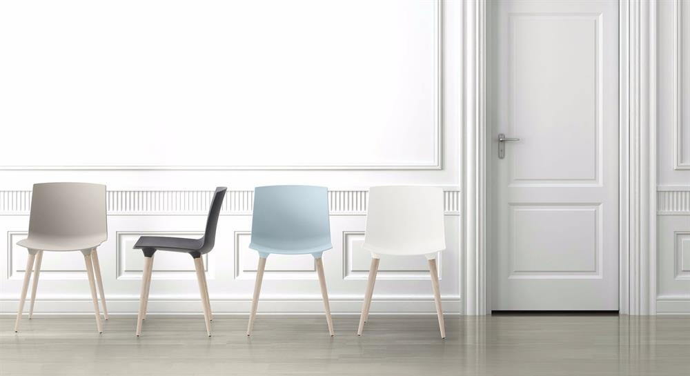 TAC STOLEN - THE ANDERSEN CHAIR (PLASTSÆDE)